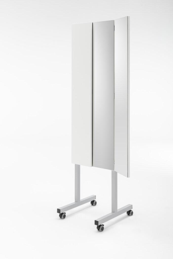 foldaway sewing cabinet-miro_roll_006